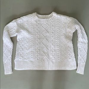Cozy knitted American Eagle sweater!